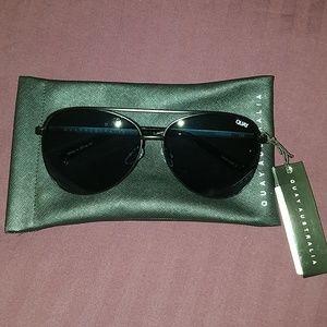 NWT Vivienne Aviator Sunglasses